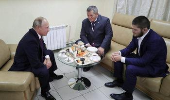 Путин помоли бащата на Нурмагомедов да не го наказва строго