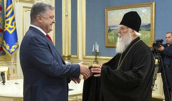 Решението за украинската църква може да създаде проблеми в България, смята руски експерт