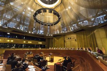 Съдът на ЕС нареди на Полша незабавно да отмени спорен закон за Конституционния съд