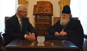Министърът на здравеопазването помоли патриарха да насърчи доноството