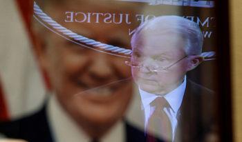 Тръмп уволни главния прокурор и министър на правосъдието