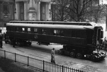 Как един вагон в Компиенската гора влезе в историята