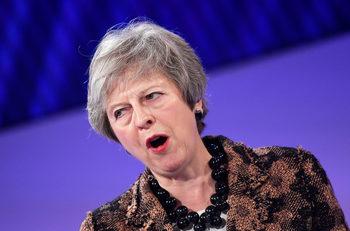 Сделката на Мей за Брекзит разделя северноирландските юнионисти
