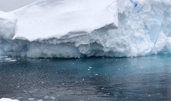Разпаднал се ледник отложи началото на експедицията на Петър Стойчев в Антарктида