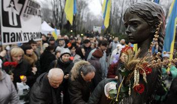 """""""Кой нареди това"""" – Украйна си спомня глада, уморил 13% от населението ѝ"""