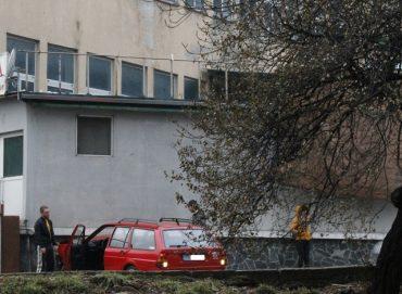 От последните минути: Кола се натресе в каменен зид! (снимки)
