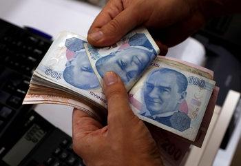 Растежът на турската икономика рязко се забави