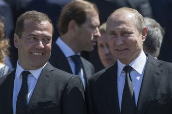 Противниците на управляващите в Русия вече са почти колкото привържениците