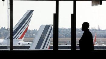 """Потребители в ЕС оспорват """"несправедлива"""" практика на авиокомпаниите"""