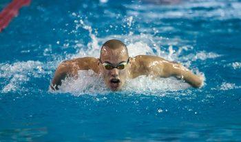 Плувецът Антъни Иванов продължи с поправките на национални рекорди на световното