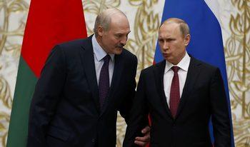 Путин и Лукашенко обсъждат спорни енергийни въпроси в Кремъл