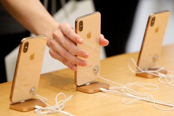 """Съдебно решение може да спре продажбата на някои модели """"Айфон"""" в Германия"""