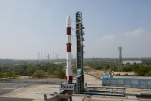 Индия изведе в орбита най-лекия в света сателит