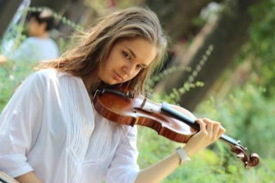 С нови престижни награди завърши 2018 г. за плевенската цигуларка Зорница Иларионова