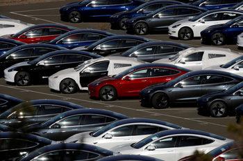 Tesla съкращава персонала със 7%