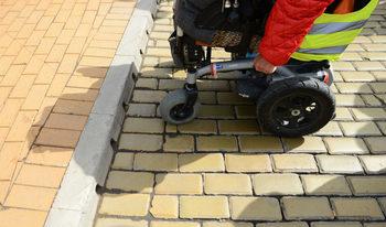 Родители на деца със спинална атрофия ще съдят България заради недостъпно лечение
