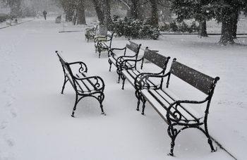 Силен вятър и снеговалеж се очаква в 8 области