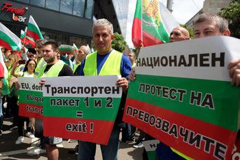 Правителството застава зад исканията на българските превозвачи