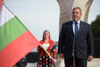 Каракачанов смята, че делегираните бюджети на училищата са вредни за ромските деца