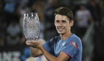 Де Минор и Сандгрен спечелиха последните турнири преди Australian Open