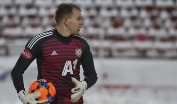 Вратарят Черниаускас също подписа нов договор с ЦСКА