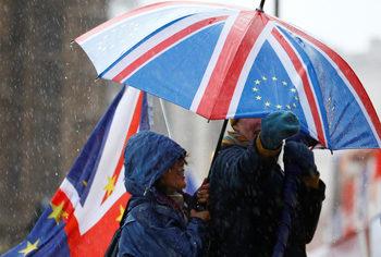 Британци, гласували за Брекзит, сега агитират пламенно за втори референдум