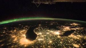 Пари от вакуум: какво привлича частните инвеститори в космоса