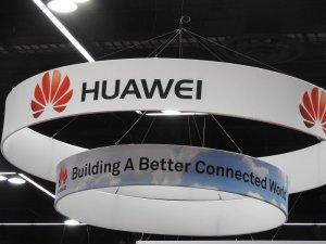 Тръмп подготвя забрана за използване на китайско телекомуникационно оборудване в САЩ