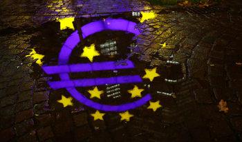 Франция и Германия предлагат бюджетът на еврозоната да се ползва и в чакалнята ѝ