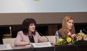 Общо 2.6% ръст на българите, пътували в страната, отчете Ангелкова