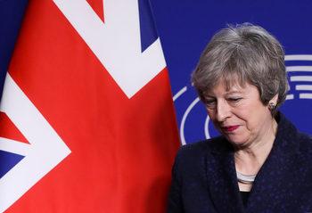 Бунт в парламента тази седмица може да отнеме от Мей контрола върху Брекзит