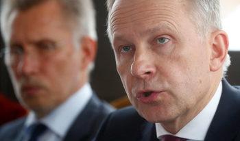 Латвия е нарушила правото на ЕС, като е отстранила централния си банкер