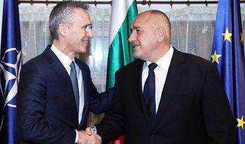 Генералният секретар на НАТО пристигна в България