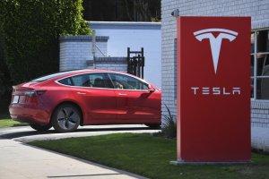 Tesla стартира продажбите на Model 3 в Мексико
