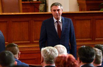 Държавата опрощава задълженията на вероизповеданията