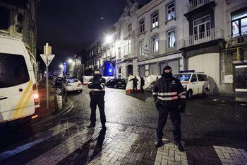 Вечерни новини: Франция задържа джихадист, планирал атака и в България; атака и в Холандия