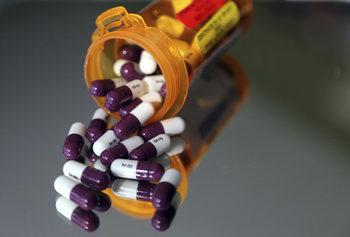 Достъпът до нови лекарства в България може да стане почти невъзможен, предупредиха експерти