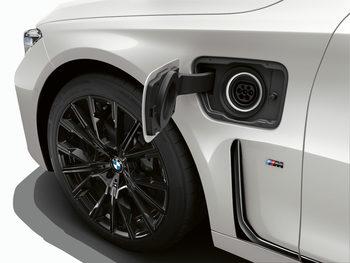 БМВ представя на автосалона в Женева новото си поколение хибриди