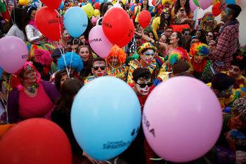 Фотогалерия: Парад на карнавалните клоуни