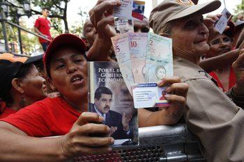 Венецуелска перачница с участието на германски депутат води до няколко държави в Европа