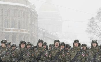 """Руската армия създава """"красив и суверенен"""" затворен интернет, пише """"Известия"""""""