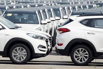 Продажбите на нови автомобили в ЕС от началото на годината паднаха с почти 3%