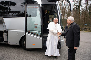 Заработи интернет страницата за посещението на папата в България