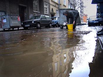 На всеки литър вода в чешмите на гражданите близо два се губят в течове