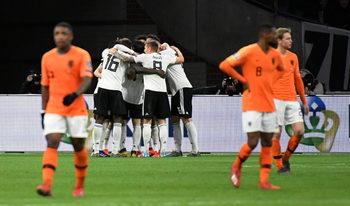С гол в последната минута Германия пречупи Холандия в зрелищен сблъсък