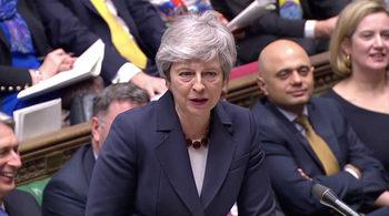 Мей обеща на депутатите да подаде оставка, ако одобрят сделката за Брекзит