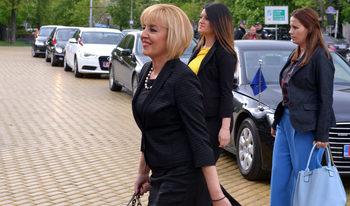 Засега Мая Манолова не обмисля да се кандидатира за кмет на София