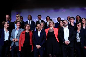 Макрон се надява да спечели французите с необичайни кандидати за евровота