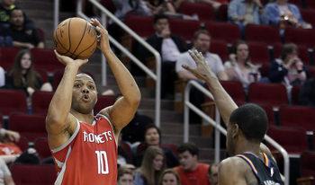 """Видео: """"Хюстън"""" отново подобри рекорда за най-много тройки в НБА"""