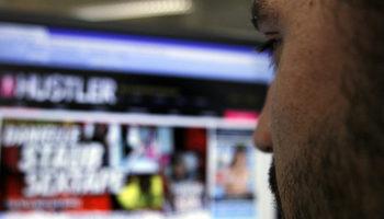 От юли само пълнолетните потребители ще могат да гледат порно във Великобритания